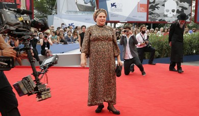 Director Burshtein poses on the red carpet (Tony Gentile / Reuters)