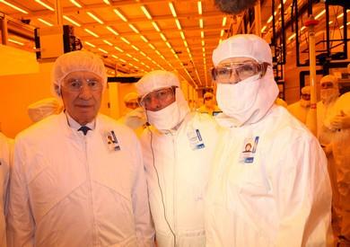 Shimon Peres visiting Intel (Sivan Farag)