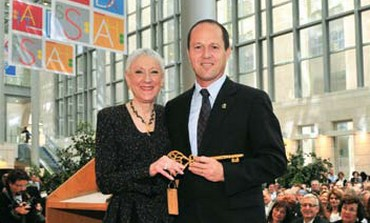 Marcie Natan with mayor of Jerusalem Nir Barkat