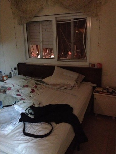 IDF asks on its official Twitter account: What if this was your bedroom?
