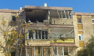 Kiryat Malachi building hit by rocket