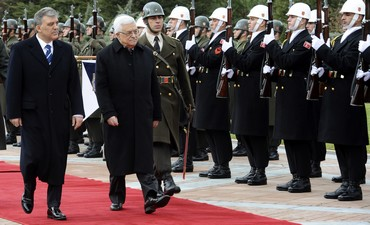 Turkey's President Gul and PA President Abbas - Photo: Reuters/Stringer