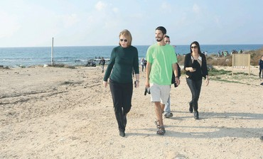 Livni at rally on Palmahim Beach