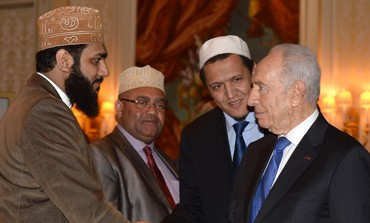 President Shimon Peres meets in Paris with Immams