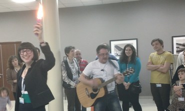 LIMMUD FSU conference participants sing during havdala services on Saturday night.