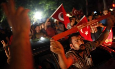 Anti-government protesters demonstrate on a street in central Ankara (Photo: REUTERS)