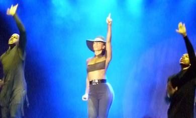Alicia Keys performs in Tel Aviv, July 4, 2013. (Lahav Harkov)