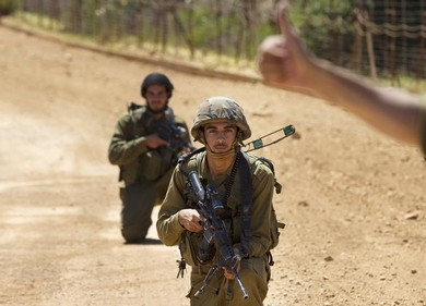 IDF soldiers on patrol [file] Photo: Reuters