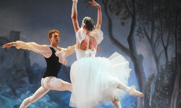 The Israeli Ballet and the Rishon Lezion Symphony Orchestra (Gadi Dagon)