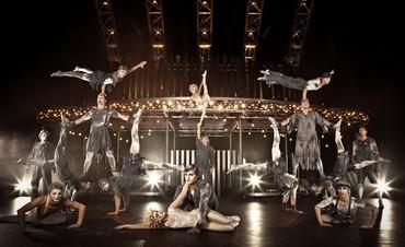 Cirque du Soleil troupe performing Quidam