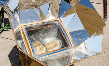 Solar oven at Kfar Hanokdim (ARIELLA AFLALO)