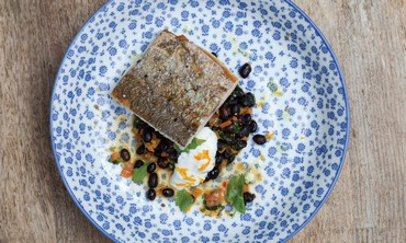 FISH FILLET AND BLACK LENTILS (Dana Keren)