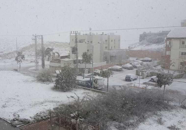 Snow in Negev desert, Dimona