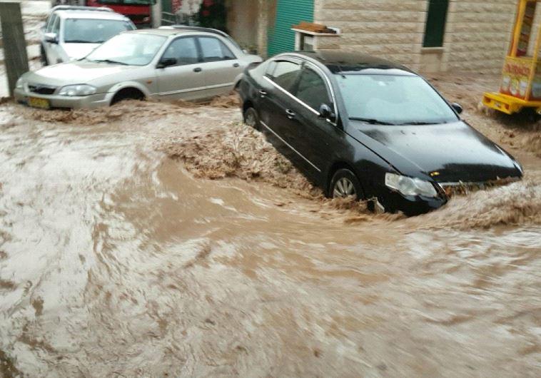 Flooding in Iksal. Credit: Israel Police