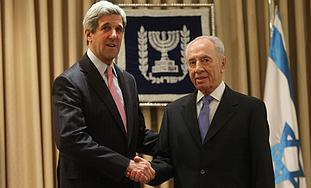 President Peres with Senator Kerry