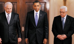Obama flanked by Netanyahu and Abbas