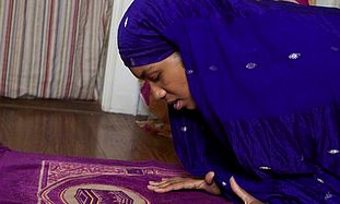 Producer-writer Khadijah Rashid prays