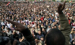 Egyptian protesters shout anti-Mubarak slogans