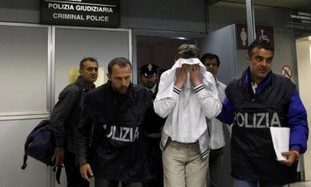 Would-be hijacker of Alitalia flight in police cus
