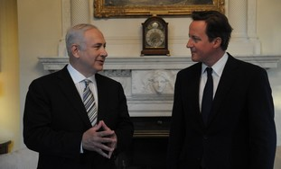 Netanyahu and Cameron in London, Wednesday.
