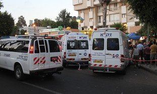Police and ZAKA in Hod Hasharon