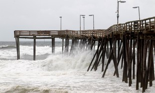 US urges citizens to prepare for Hurricane Irene