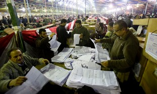 Egyptian election workers count ballots