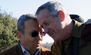 Ehud Barak and Benny Gantz at Golani Brigade drill