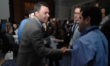 Beinart meets students at J street conference
