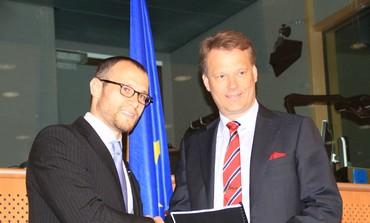 Calev Myers and MEP Hannu Takkula