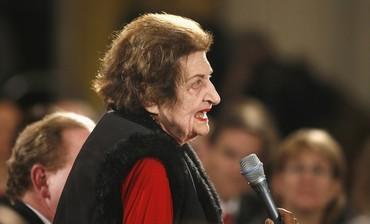 Former White House reporter Helen Thomas