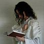 Yom Kippur, a woman praying 58