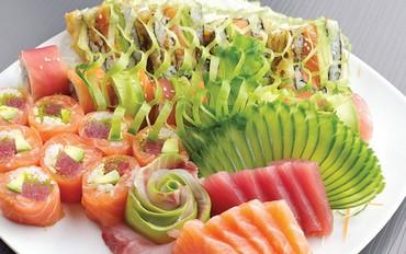 Sushi platter [ilustrative]
