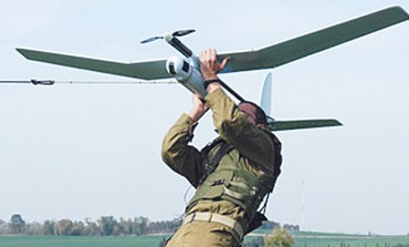 AN IDF soldier launches a Skylark UAV