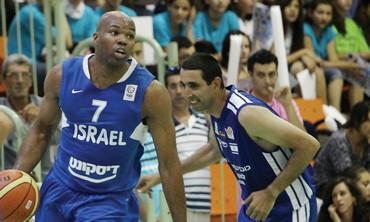 Alex Tyus trains with Israeli National Team