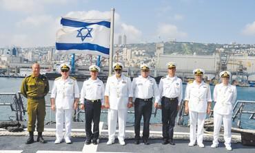 Greek and Israeli naval officers