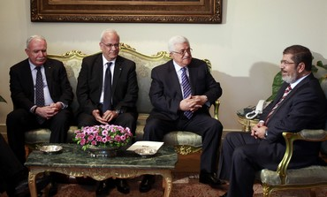 Abbas and PA delegation meet Mursi in Cairo