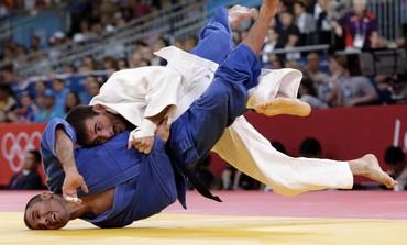 Israel Soso Palelashvili beats Turk Sezer Huysuz