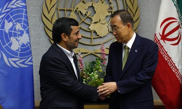 UN's Ban and Iran's Ahmadinejad shake hands [file]