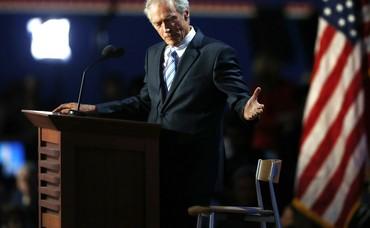 "Clint Eastwood addresses empty chair ""Obama"""