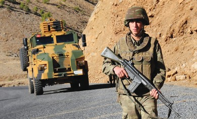 Turkish soldier near Iraq border.