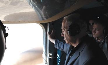 Netanyahu visits Sinai border