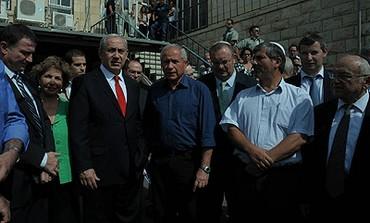 Prime Minister Binyamin Netanyahu at IDF drill.