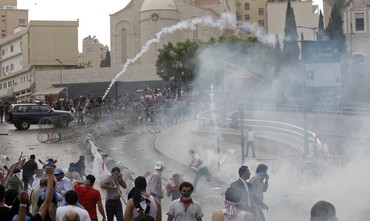 Police fire tear gas at protestors in Beirut