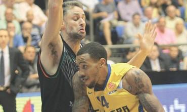 Maccabi Tel Aviv's Malcolm Thomas
