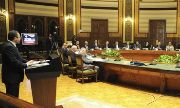 PM Hisham Kandil speaks to Egyptian cabinet