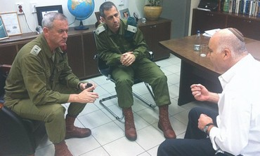 Gantz meets with Shin Bet chief Cohen