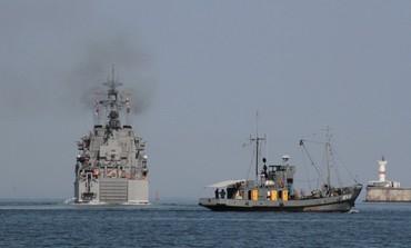Russian landing ship leaves port of Sevastopol