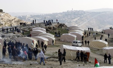 Palestinian activists erect tents in E1, January 11, 2013.