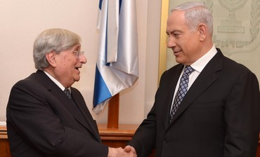Prime Minister Binyamin Netanyahu meets with Judge Jacob Turkel, February 6, 2013.